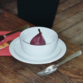 Birne in Rotwein mit Blauschimmelkäse-Suppe